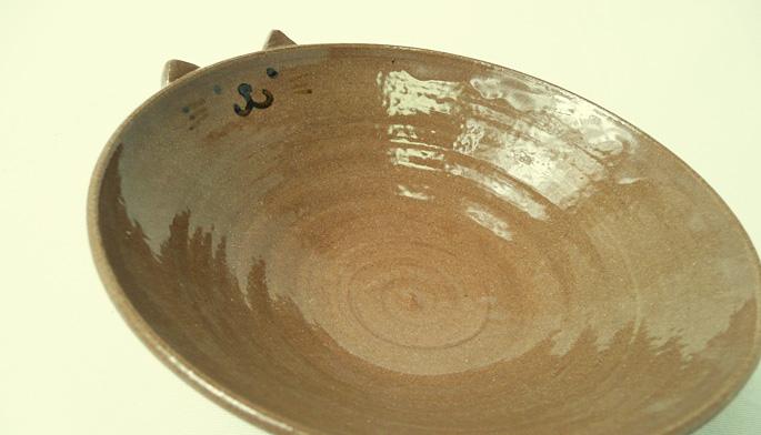 「道半の小皿-品番2(赤茶・猫耳付きキャラクター皿)」子供用食器 通販