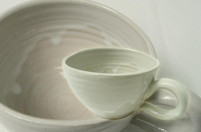 「パフ・ボールドリップ」コーヒーカップ/ティーカップの正面画像