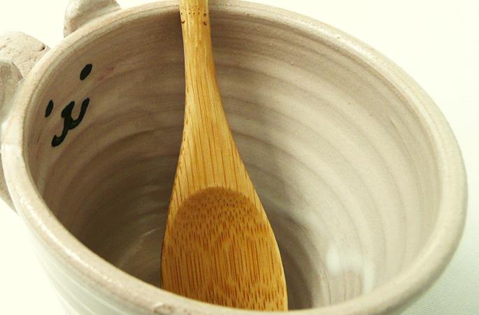 陶芸作家が作る、「動物キャラクターカップ1」小さめマグの販売です。正面画像